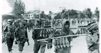 pre-khmer-rouge-force-entering-phnom-penh